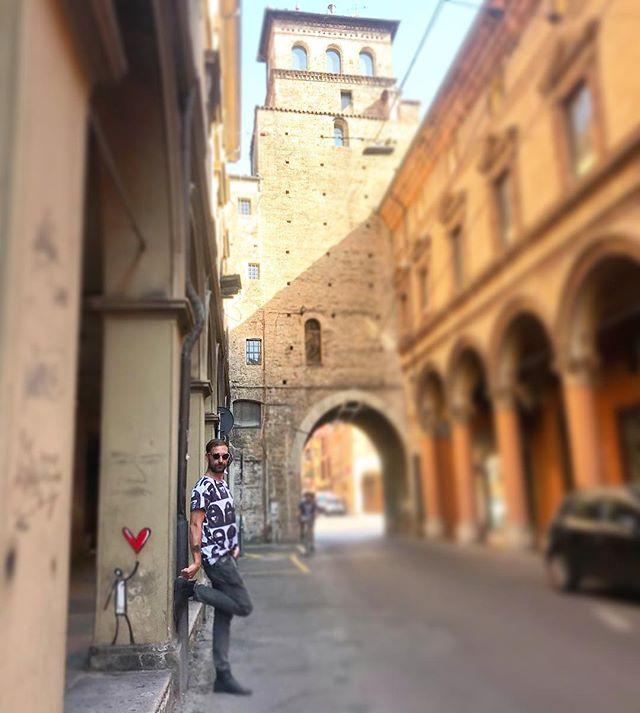 Un pezzetto di ♥️ l'ho lasciato qui.  #wanderlusthero #nomadworkers #digitalnomading #travellery #nomadlifestore #panoramahotel #bologna_medievale #nomadcommunitygardens #nomadbarber #lifestyle #diegocalocero